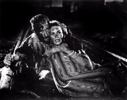 Chahine himself and Hind Rostom in <i>Cairo Station</i>