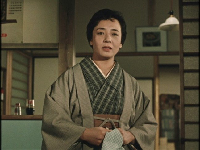 Miyake Kuniko as the mother of the two boys