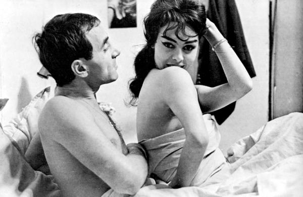 Charlie (Charles Aznavour) and Clarisse (Michèle Mercier)