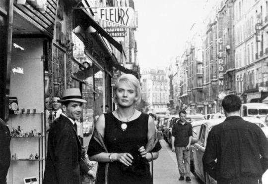 Shooting on Parisian streets in <i>Cléo 5 à 7</i>