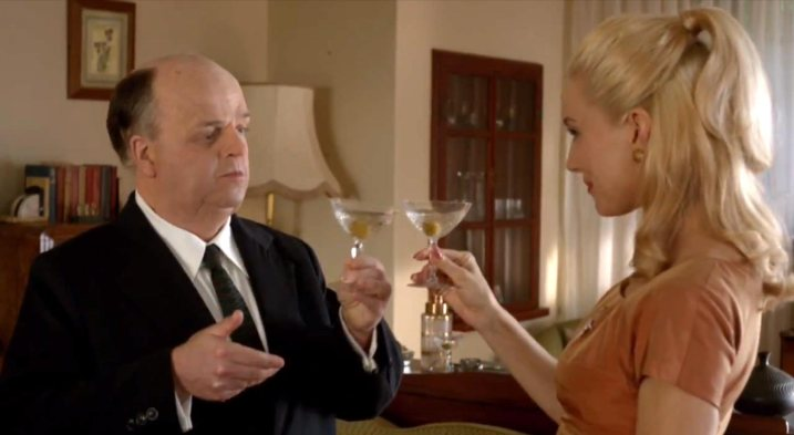 Toby Jones as Alfred Hitchcock and Sienna Miller as Tippi Hedren