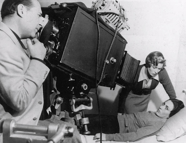 Rossellini on set with Ingrid Bergman and an unknown cast member in 'Europa '51' from: http://reflectionandfilm.blogspot.co.uk/