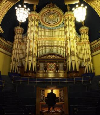 The great pipe organ