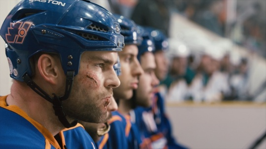 Seann William Scott as the bloodied enforcer on the bench (from http://www.anonlineuniverse.com/2012/07/goon/)