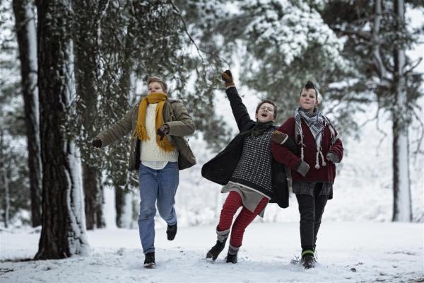 From left: Hedwig (Liv LeMoyne), Bobo (Mira Barkhammar) and Klara (Mira Grosin)