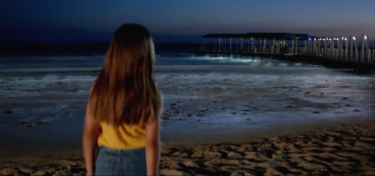 A nice JAWS reference when the little girl sees the dead fish on the beach – an omen for the arrival of a monster from the deep?