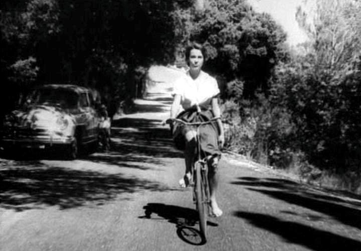 Bernadettle Lafont in LES MISTONS (d. Francois Truffaut 1957)