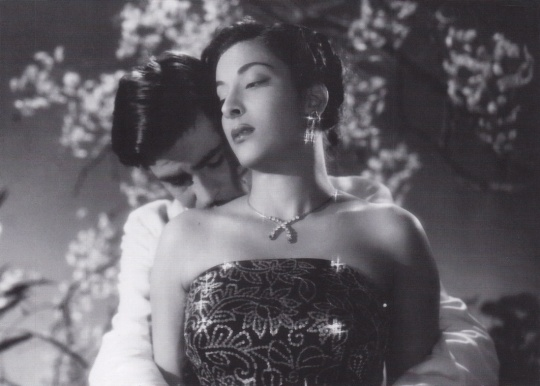 Raj Kapoor and Nargis in Awara, 1951.