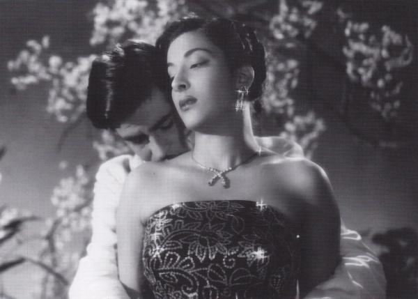 Raj Kapoor and Nargis in Awara, 1951.