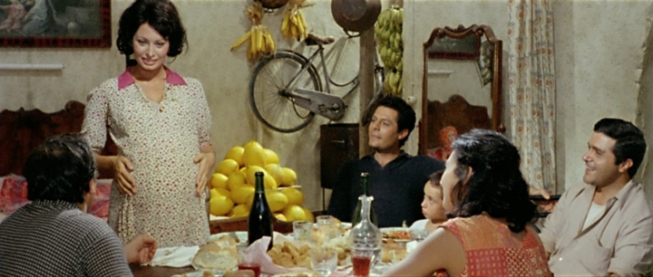 A pregnant Adelina in 'Yesterday' (still from DVD Beaver)