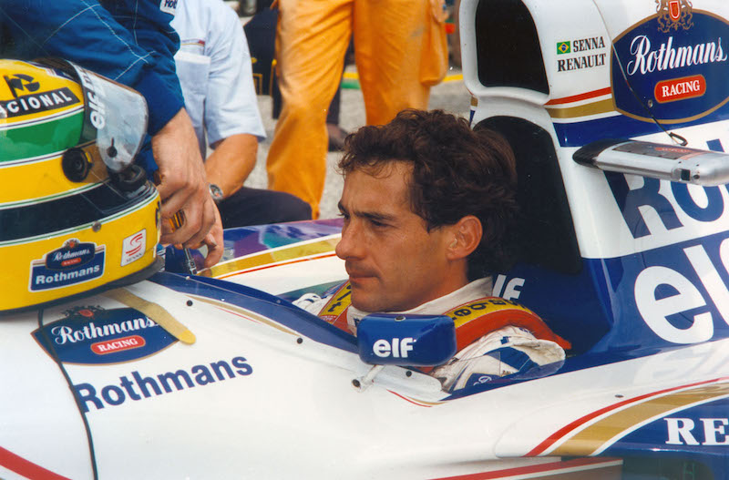 smallphoto-Senna-2010-19