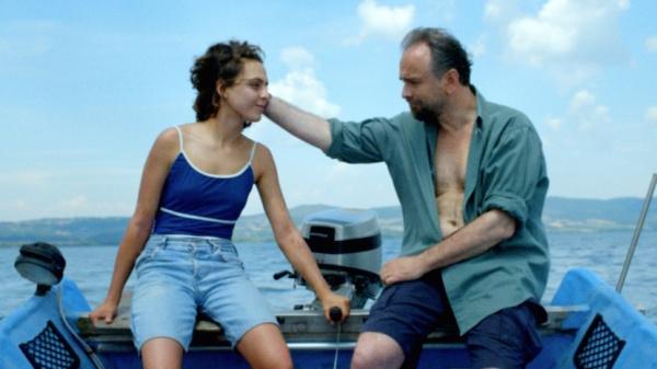 Arianna (Ondina Quadri) and her father (Massimo Popolizio)