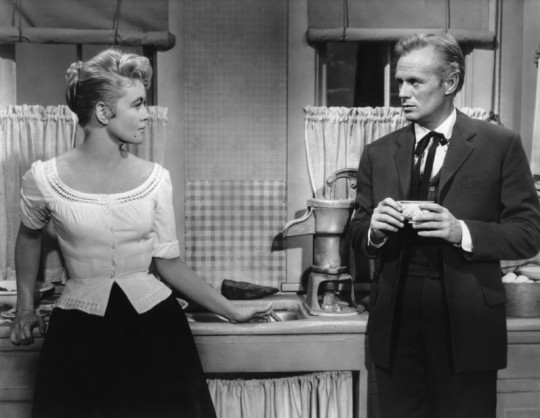 Dorothy Malone with Richard Widmark