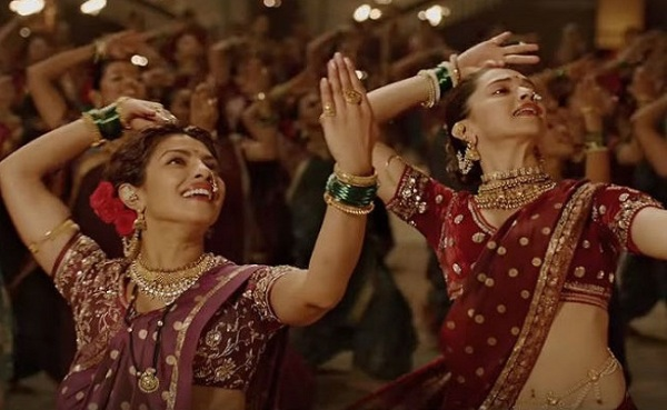 The moment of 'truce' when Mastani accepts Kashibai's gift of a costume and joins her for a festival dance. The daughter of the Muslim court dancer joins her rival the Maratha warrior's Hindu wife.