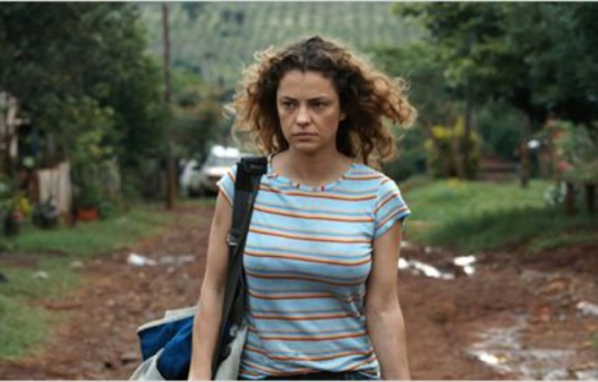 Paulina (Dolores Fonzi) as the new teacher