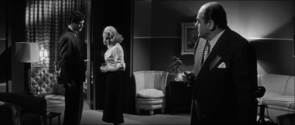 One of the noir scenes with Rock Hudson, Dorothy Malone and Robert Middleton. Note the classic table lamps throwing light upwards.