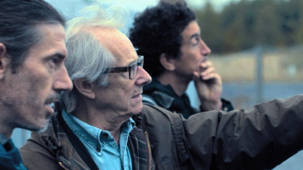 Ken Loach looking at locations for I, Daniel Blake (© Sixteen Films)