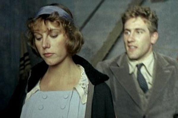 Stefania Sandrelli as the socialist teacher Anita, who Olmo meets in 1918