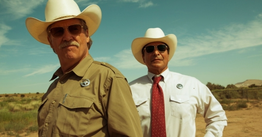 Jeff Bridges (left) and Gil Birmingham as the Texas Rangers