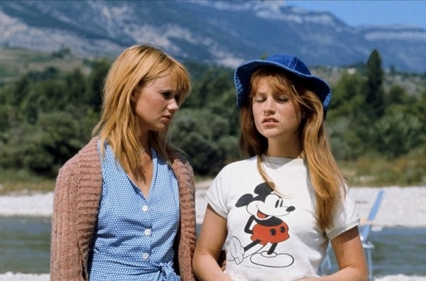 Miou-Miou and Isabelle Huppert
