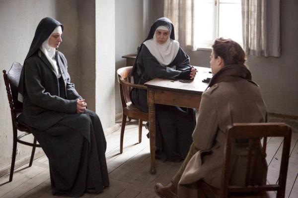Mathilde with Maria (Agneta Buzek) and the Mother Superior (Agneta