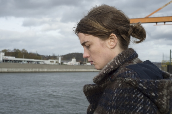 Dr Jenny (Adèle Haenel) by the River Meuse in Seraing